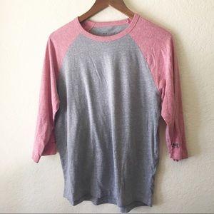Under Armour Gray Pink Baseball Tee Shirt L e/4